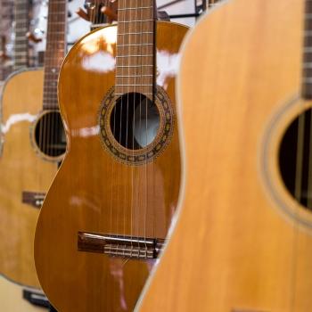 Guitars-GerrysMusic_HAMISTADI-3193