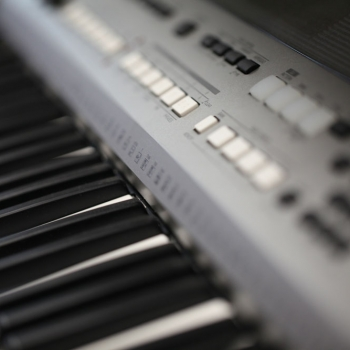 keyboards-and-pianos-000